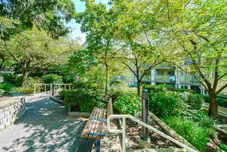 Photo 8: 400 6707 SOUTHPOINT DRIVE in Burnaby: South Slope Condo for sale (Burnaby South)  : MLS®# R2490466
