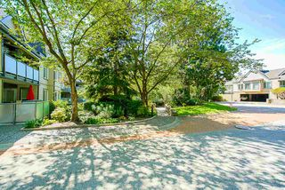 Photo 3: 400 6707 SOUTHPOINT DRIVE in Burnaby: South Slope Condo for sale (Burnaby South)  : MLS®# R2490466