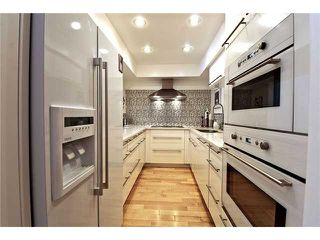 "Photo 7: 105 1299 W 7TH Avenue in Vancouver: Fairview VW Condo for sale in ""MARBELLA"" (Vancouver West)  : MLS®# V935816"