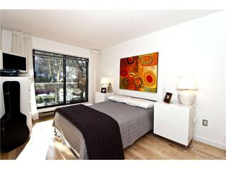 "Photo 17: 105 1299 W 7TH Avenue in Vancouver: Fairview VW Condo for sale in ""MARBELLA"" (Vancouver West)  : MLS®# V935816"
