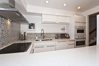 "Photo 9: 105 1299 W 7TH Avenue in Vancouver: Fairview VW Condo for sale in ""MARBELLA"" (Vancouver West)  : MLS®# V935816"