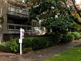 "Photo 29: 105 1299 W 7TH Avenue in Vancouver: Fairview VW Condo for sale in ""MARBELLA"" (Vancouver West)  : MLS®# V935816"