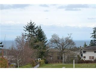 Photo 15: 4434 Greentree Terr in VICTORIA: SE Gordon Head House for sale (Saanich East)  : MLS®# 604436