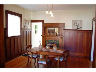 "Photo 3: 836 E 32ND Avenue in Vancouver: Fraser VE House for sale in ""FRASER"" (Vancouver East)  : MLS®# V974186"