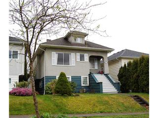 "Photo 1: 836 E 32ND Avenue in Vancouver: Fraser VE House for sale in ""FRASER"" (Vancouver East)  : MLS®# V974186"