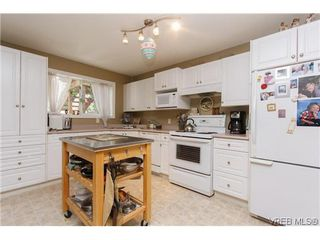 Photo 15: 2399 Selwyn Rd in VICTORIA: La Thetis Heights Single Family Detached for sale (Langford)  : MLS®# 634701