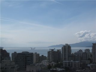 "Photo 2: PH1 1189 HOWE Street in Vancouver: Downtown VW Condo for sale in ""THE GENESIS"" (Vancouver West)  : MLS®# V1005871"