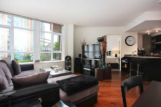 "Photo 2: 301 988 RICHARDS Street in Vancouver: Yaletown Condo for sale in ""TRIBECA LOFTS"" (Vancouver West)  : MLS®# V1009541"