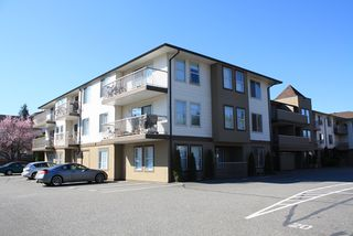 Photo 1: 109-45702 Watson Rd in Chilliwack: Condo for sale