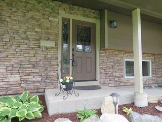 Photo 2: 665 Gleneagles Drive in Kamloops: Sahali House for sale : MLS®# 128869