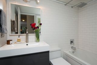 Photo 12: 110 555 W 14TH AVENUE in Vancouver: Fairview VW Condo for sale (Vancouver West)  : MLS®# R2059901