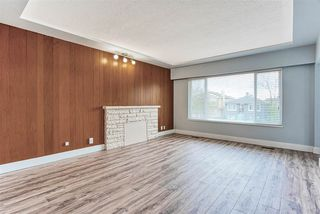 Photo 3: 225 E 58TH Avenue in Vancouver: South Vancouver House for sale (Vancouver East)  : MLS®# R2419683