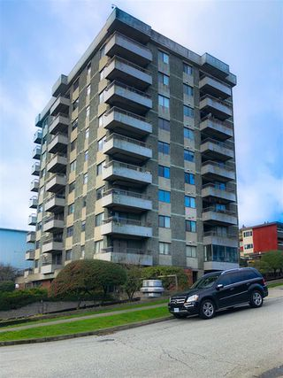 Photo 1: 204 47 AGNES STREET in New Westminster: Downtown NW Condo for sale : MLS®# R2433658