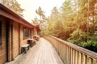 Photo 5: 4871 Pirates Rd in Pender Island: GI Pender Island House for sale (Gulf Islands)  : MLS®# 836708