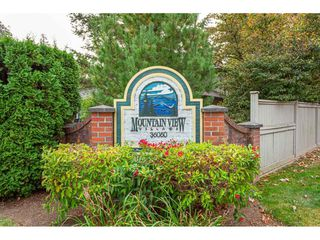 """Photo 40: 7 36060 OLD YALE Road in Abbotsford: Abbotsford East Townhouse for sale in """"Mountain view village"""" : MLS®# R2497723"""