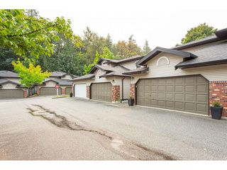 """Photo 3: 7 36060 OLD YALE Road in Abbotsford: Abbotsford East Townhouse for sale in """"Mountain view village"""" : MLS®# R2497723"""