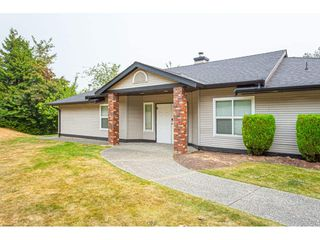 """Photo 38: 7 36060 OLD YALE Road in Abbotsford: Abbotsford East Townhouse for sale in """"Mountain view village"""" : MLS®# R2497723"""