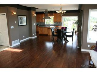 Photo 2: 507 Outlook Place in VICTORIA: Co Triangle Single Family Detached for sale (Colwood)  : MLS®# 309462