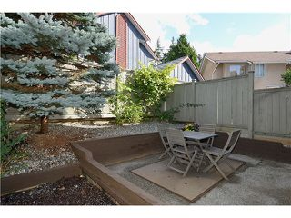 "Photo 3: 43 900 W 17TH Street in North Vancouver: Hamilton Townhouse for sale in ""FOXWOOD HILLS"" : MLS®# V971777"