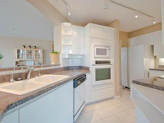 "Photo 2: 6D 328 TAYLOR Way in West Vancouver: Park Royal Condo for sale in ""West Royal"" : MLS®# V998553"