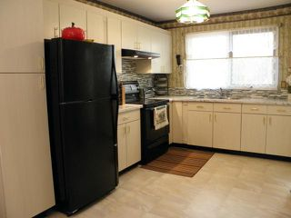 Photo 4: 1025 Buchanan Boulevard in WINNIPEG: Westwood / Crestview Residential for sale (West Winnipeg)  : MLS®# 1312623