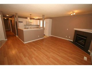 Photo 4: 201 335 30 Avenue NE in CALGARY: Tuxedo Condo for sale (Calgary)  : MLS®# C3575543