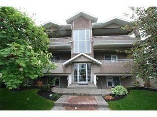 Photo 1: 201 335 30 Avenue NE in CALGARY: Tuxedo Condo for sale (Calgary)  : MLS®# C3575543