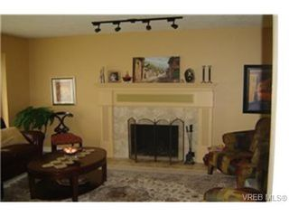Photo 6: 4937 Haliburton Place in VICTORIA: SE Cordova Bay Single Family Detached for sale (Saanich East)  : MLS®# 244033