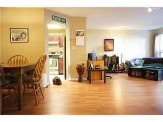 """Photo 4: 222 6707 SOUTHPOINT Drive in Burnaby: South Slope Condo for sale in """"MISSION WOODS"""" (Burnaby South)  : MLS®# V1082620"""