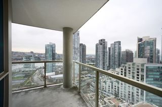 Photo 5: #2302-388 Drake St. in Vancouver: Yaletown Condo for sale (Vancouver West)  : MLS®# V1042187