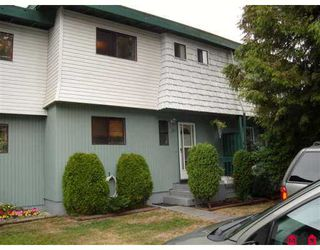 "Photo 1: 14 10880 152ND ST in Surrey: Bolivar Heights Townhouse for sale in ""Woodbridge"" (North Surrey)  : MLS®# F2620448"