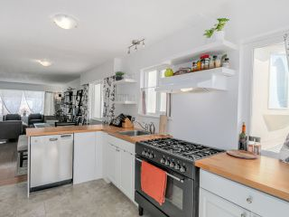 Photo 8: 2542 E 28TH AVENUE in Vancouver: Collingwood VE House for sale (Vancouver East)  : MLS®# R2052154