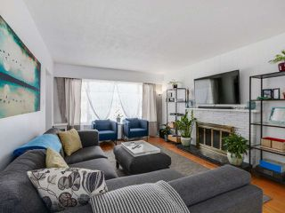 Photo 4: 2542 E 28TH AVENUE in Vancouver: Collingwood VE House for sale (Vancouver East)  : MLS®# R2052154