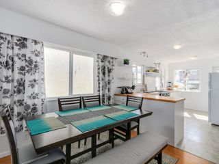 Photo 3: 2542 E 28TH AVENUE in Vancouver: Collingwood VE House for sale (Vancouver East)  : MLS®# R2052154