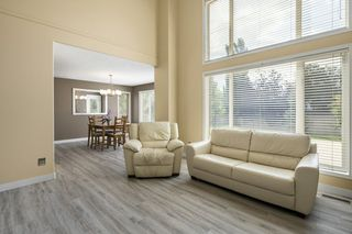 Photo 3: 1144 116 Street in Edmonton: Zone 16 House for sale : MLS®# E4172451