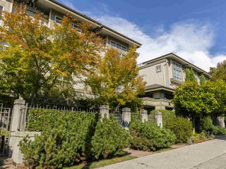 "Main Photo: 10 2375 W BROADWAY in Vancouver: Kitsilano Townhouse for sale in ""Taliesin"" (Vancouver West)  : MLS®# R2404814"