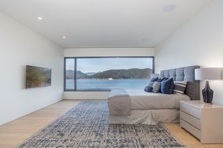 """Photo 12: 7270 ARBUTUS Road in West Vancouver: Whytecliff House for sale in """"Whytecliff Park"""" : MLS®# R2414946"""