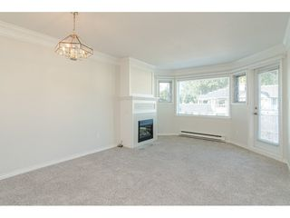 "Photo 2: 312 13965 16 Avenue in Surrey: Sunnyside Park Surrey Condo for sale in ""WR BAPTIST (WINDSOR) VILLAGE"" (South Surrey White Rock)  : MLS®# R2421200"