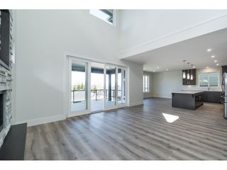 "Photo 3: 40 4295 OLD CLAYBURN Road in Abbotsford: Abbotsford East House for sale in ""Sunspring Estates"" : MLS®# R2448385"