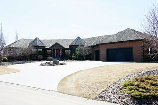 Main Photo: 117 Riverpoint Crescent: Rural Sturgeon County House for sale : MLS®# E4195584