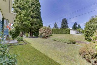 Photo 4: 2122 EDGEWOOD Avenue in Coquitlam: Central Coquitlam House for sale : MLS®# R2462677