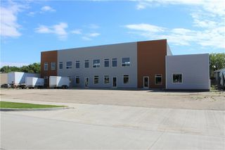 Photo 2: 146 MAIN Street South in Morris: Industrial / Commercial / Investment for sale (R17)  : MLS®# 202013973