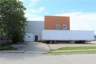 Photo 3: 146 MAIN Street South in Morris: Industrial / Commercial / Investment for sale (R17)  : MLS®# 202013973