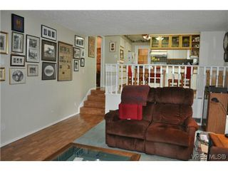 Photo 9: 4020 Dawnview Crescent in VICTORIA: SE Arbutus Single Family Detached for sale (Saanich East)  : MLS®# 321589