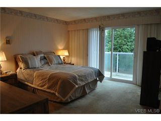 Photo 10: 4020 Dawnview Crescent in VICTORIA: SE Arbutus Single Family Detached for sale (Saanich East)  : MLS®# 321589