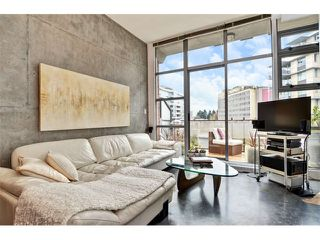 Photo 2: # 406 2635 PRINCE EDWARD ST in Vancouver: Mount Pleasant VE Condo for sale (Vancouver East)  : MLS®# V1002830