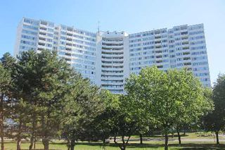 Main Photo:  in Mississauga: Mississauga Valleys Condo for sale : MLS®# W2650608