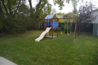 Photo 2: 38 Lakeside Drive in Winnipeg: Waverley Heights Single Family Detached for sale (South Winnipeg)  : MLS®# 1425152