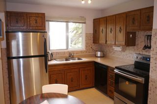 Photo 7: 38 Lakeside Drive in Winnipeg: Waverley Heights Single Family Detached for sale (South Winnipeg)  : MLS®# 1425152