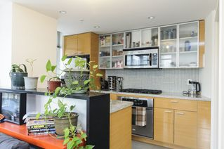 Photo 7: 906 33 SMITHE STREET in Vancouver: Yaletown Condo for sale (Vancouver West)  : MLS®# R2039702